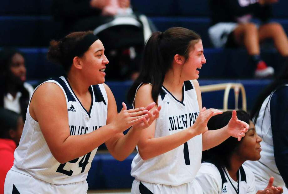 College Park defeated The Woodlands in overtime of a District 15-6A game Tuesday night. Photo: Jason Fochtman, Houston Chronicle / Staff Photographer / Houston Chronicle