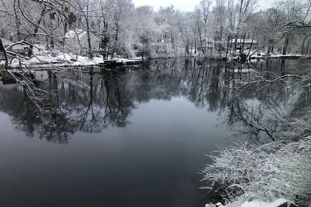 A light snow fell across Connecticut on Wednesday, Dec. 10, 2019. Accumulations ranged from 5.5 inches in Collinsville to about 2 inches along the shoreline.
