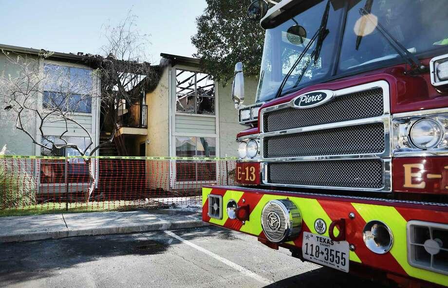 A fire truck. Photo: Bob Owen, STAFF-photographer / Staff Photographer / ©2019 San Antonio Express-News