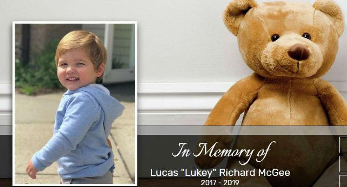 A screenshot of the obituary for Lucas