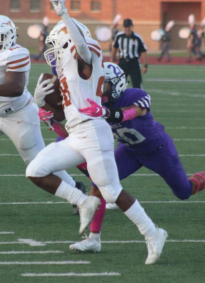 Dobie's Dontavion Crosby was a tough ballcarrier to bring down this past season and the district coaches agreed, naming the 22-6A's No. 2 rusher to First Team. Photo: Robert Avery