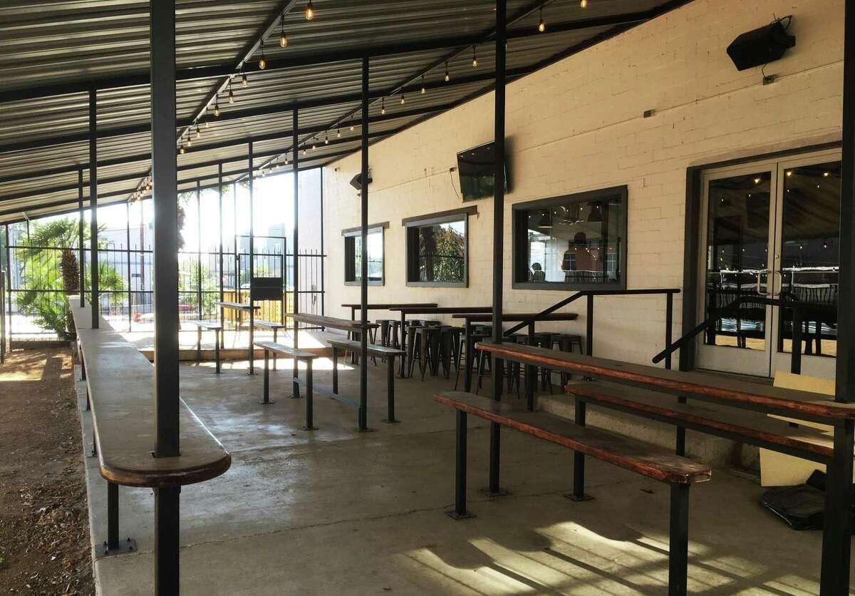 Dos Sirenos Brewing Co. features a spacious outside covered patio area.