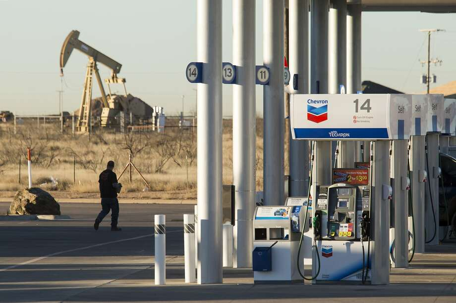 A Chevron gas station near an oil pump jack in Midland, Texas. Photo: Michael Stravato, NYT
