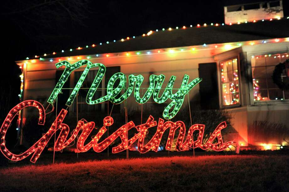 """There is nothing offensive about wishing someone """"Merry Christmas,"""" says a reader. It's a time of reflection. Photo: Carol Kaliff /ST / The News-Times"""