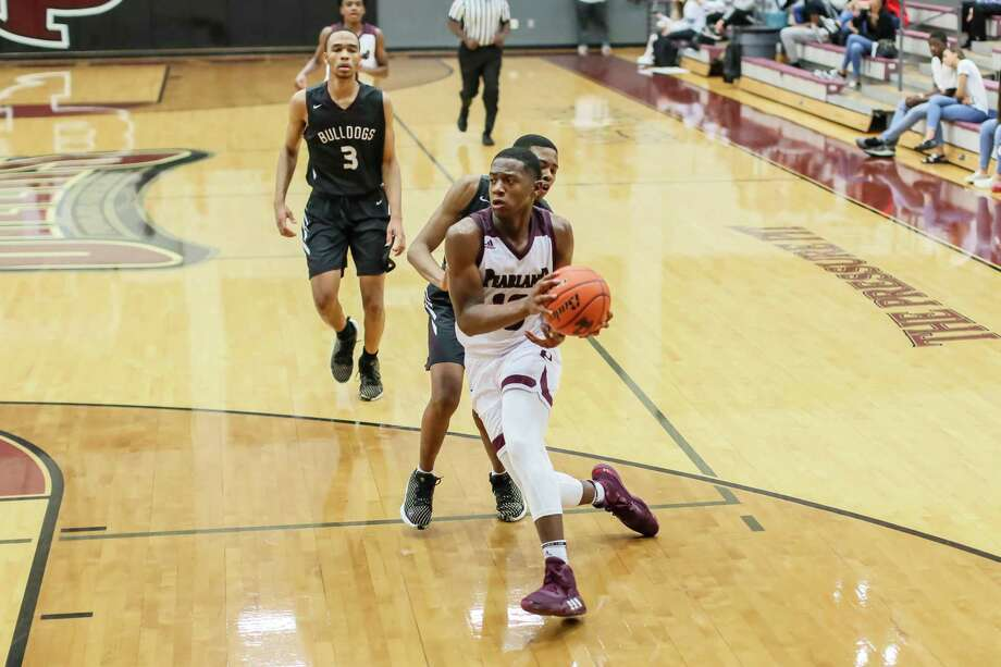 Pearland senior forward Derrick Ardoin provides the Oilers with a rebounding and scoring threat and can play inside and outside. Photo: Hendricks Rockography / Lloyd Hendricks