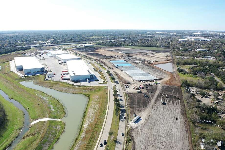 Hines is developing the 120-acre Boulevard Oaks Business Park in southwest Houston. The site is just north of Beltway 8 and lining both sides of a tree-lined section of West Fuqua Street. Photo: Courtesy Of Hines
