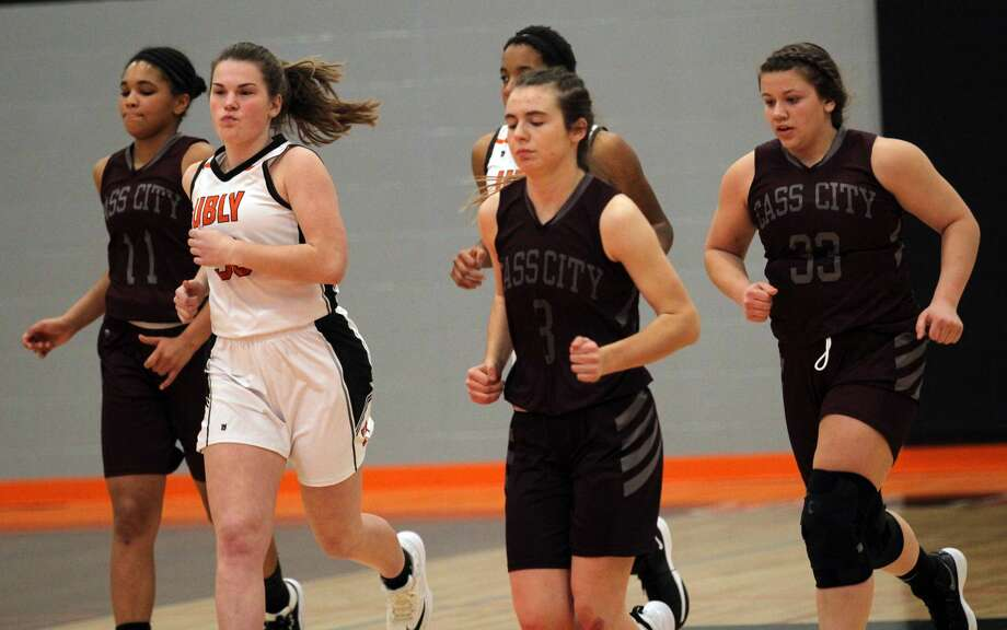 The Ubly varsity girls basketball team topped visiting Cass City, 32-12, on Thursday night.
