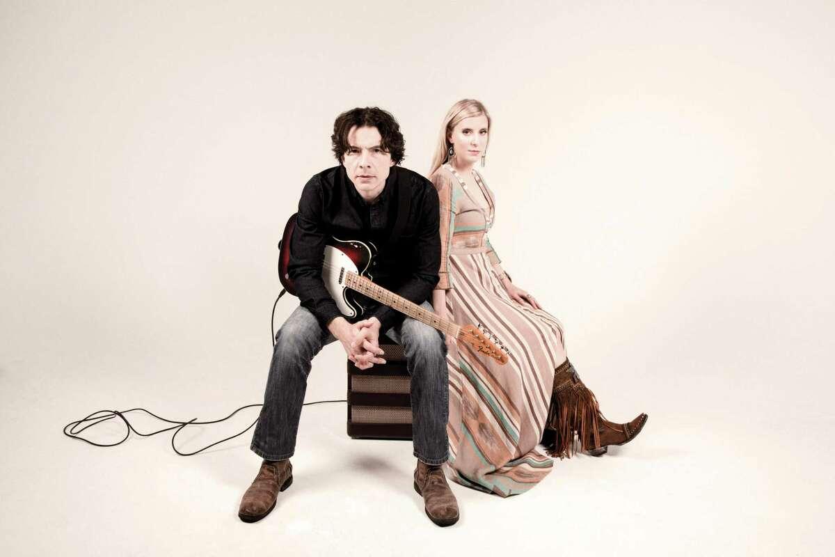 AJ Swearingen and Jayne Kelli will perform at The Kate Dec. 21.