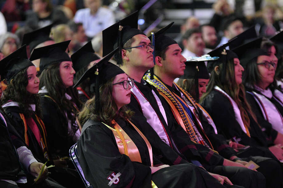 Over 800 candidates for graduation from Texas A&M International University participated in the Summer and Fall 2019 Commencement Exercises at the Sames Auto Arena. Photo: Cuate Santos/Laredo Morning Times