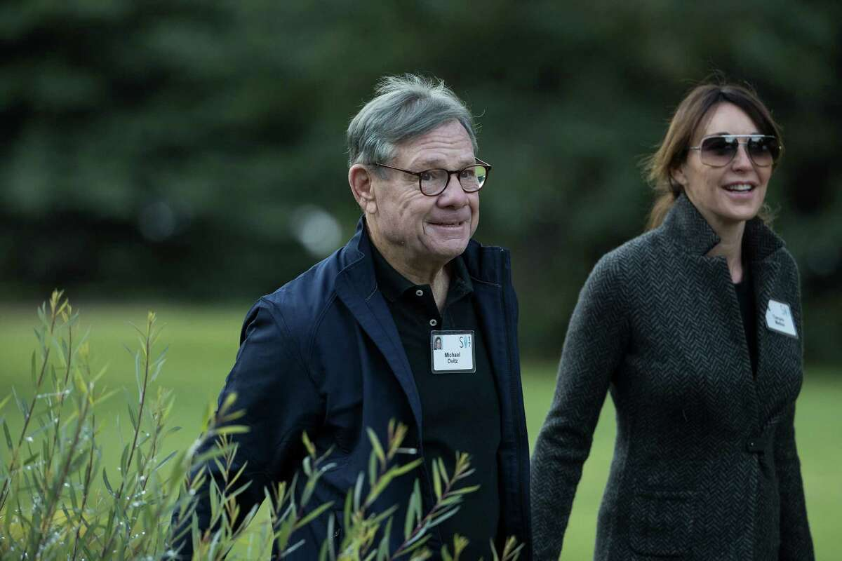 SUN VALLEY, ID - JULY 13: Michael Ovitz, co-founder of Creative Artists Agency, arrives for the third day of the annual Allen & Company Sun Valley Conference, July 13, 2017 in Sun Valley, Idaho. Every July, some of the world's most wealthy and powerful businesspeople from the media, finance, technology and political spheres converge at the Sun Valley Resort for the exclusive weeklong conference. (Photo by Drew Angerer/Getty Images) ORG XMIT: 775004285