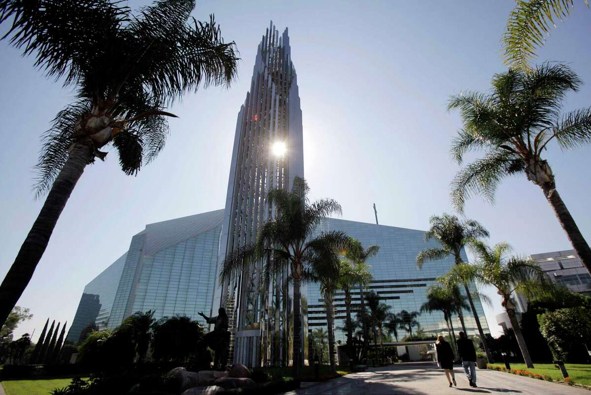 The Crystal Cathedral in Garden Grove (Orange County). With more than 3,000 seats in its 33,825 square feet, St. Charles Borromeo Church in Visalia will accommodate more believers than the Crystal Cathedral.