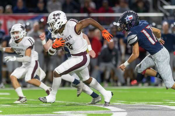 Silsbee's Chris Martin (2) runs the ball downfield in the first half of the state semifinal game as the Tigers played the Wimberley Texans at Legacy Stadium in Katy, Texas on Friday, December 13, 2019. Fran Ruchalski/The Enterprise