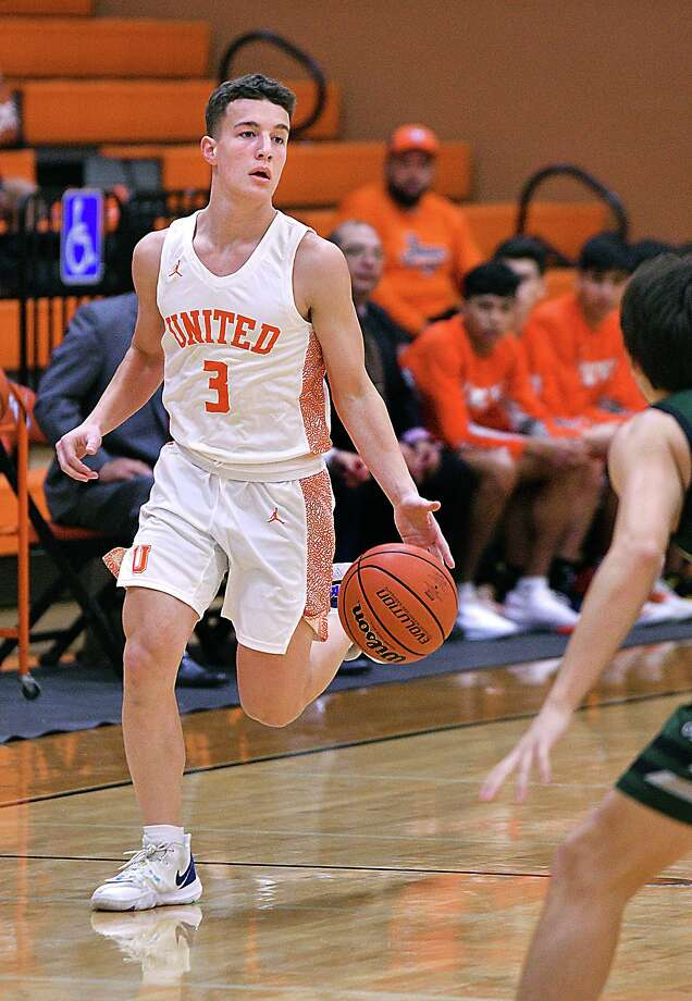 Frankie Viro scored eight points in United's 53-49 loss to Reagan on Friday. Photo: Cuate Santos /Laredo Morning Times / Laredo Morning Times