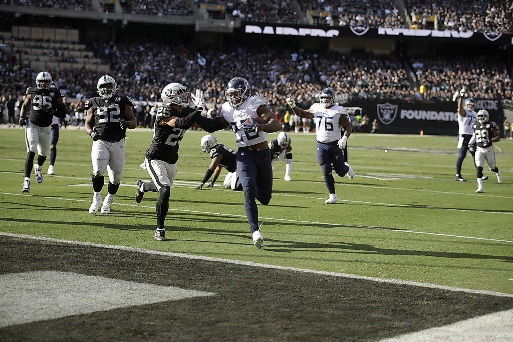 Raiders vs. Jaguars: Oakland`s defense seeks an `identity`