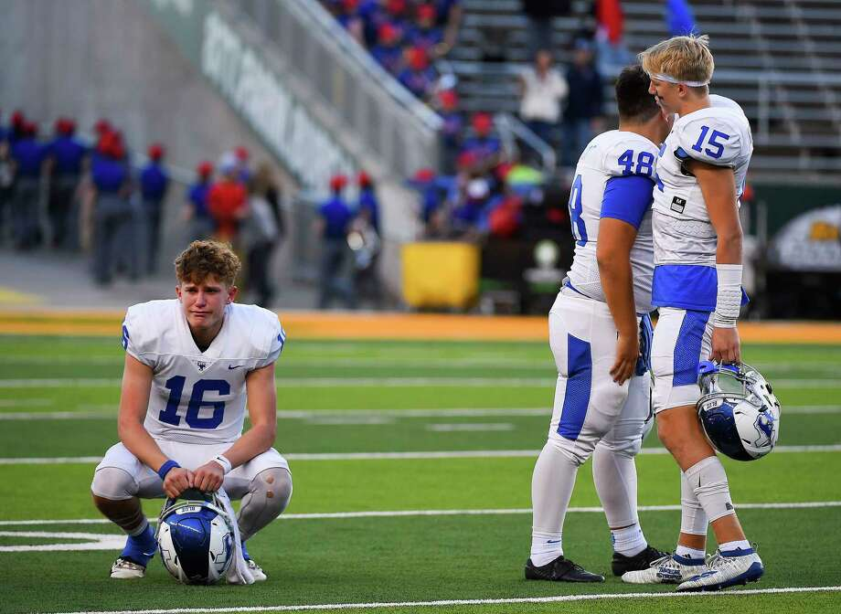 PHOTOS: High school football - state semifinals 