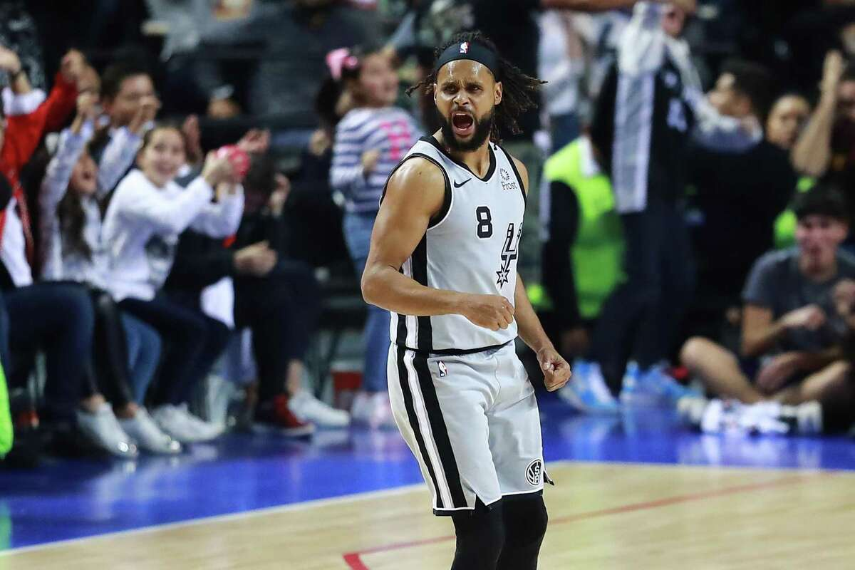 MEXICO CITY, MEXICO - DECEMBER 14: Patty Mills #8 of the San Antonio Spurs celebrates during a game between San Antonio Spurs and Phoenix Suns at Arena Ciudad de Mexico on December 14, 2019 in Mexico City, Mexico. (Photo by Hector Vivas/Getty Images)