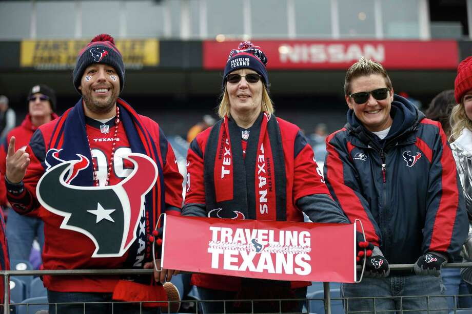 Houston Texans fans watch warm ups before an NFL football game against the Tennessee Titans at Nissan Stadium on Sunday, Dec. 15, 2019, in Nashville. Photo: Brett Coomer, Staff Photographer / © 2019 Houston Chronicle