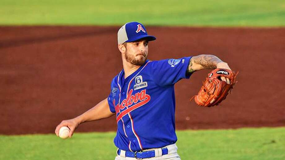 The Tecos acquired right-handed pitcher Andre Rienzo, pictured, and second baseman Jesus Arredondo Saturday in a trade with the Acereros de Monclova. Photo: Courtesy Of Tecolotes Dos Laredos