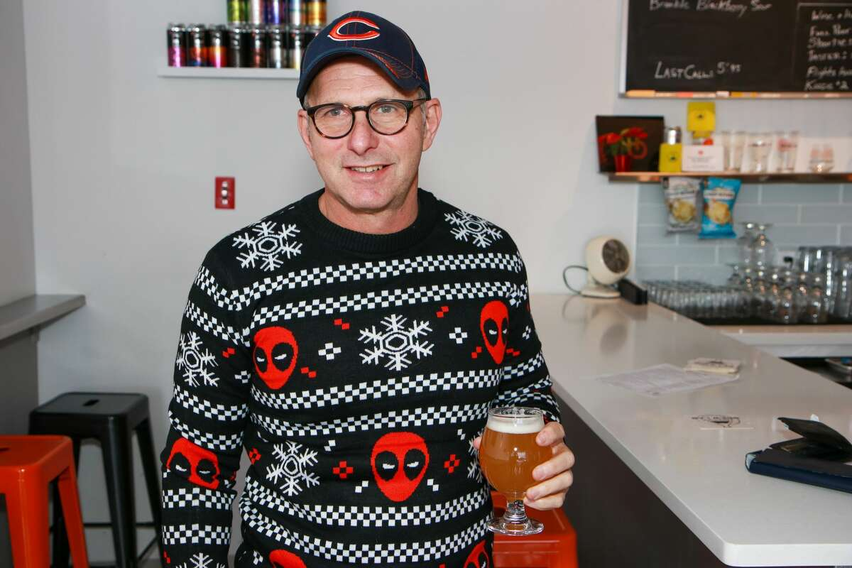 AspetuckBrew Lab in Bridgeport held an ugly sweater and toy drive on December 1 2019. The day kicked off with a pub run through St. Mary's by the Sea followed by beer discounts for all ugly sweater--wearers and toy collection for Toy for Tots. Were you SEEN?
