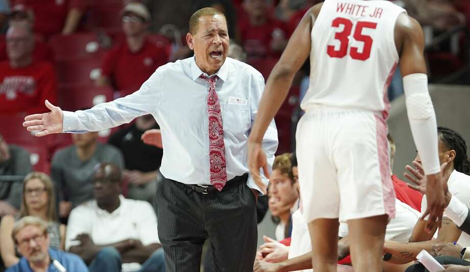 Houston Cougars head coach Kelvin Sampson shares his feelings about a call in the first half against Oklahoma State Cowboys at Fertitta Center on Sunday, Dec. 15, 2019 in Houston. Photo: Elizabeth Conley/Staff Photographer