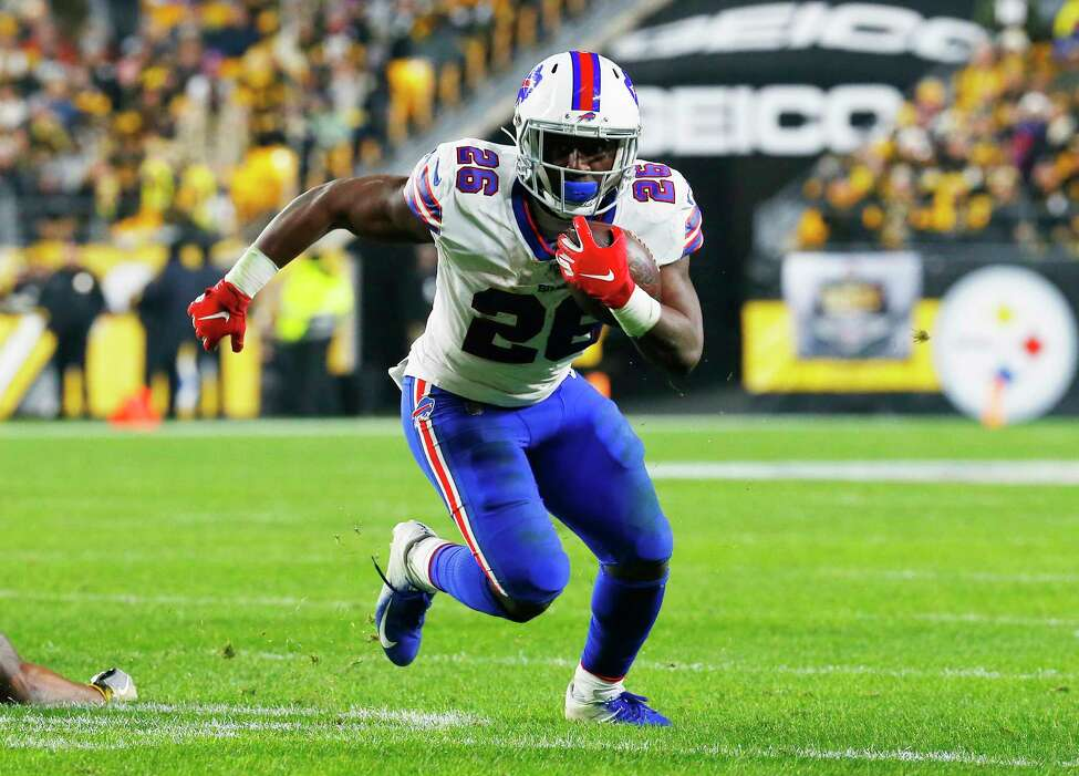 PITTSBURGH, PENNSYLVANIA - DECEMBER 15: Devin Singletary #26 of the Buffalo Bills runs with the ball during the first half against the Pittsburgh Steelers in the game at Heinz Field on December 15, 2019 in Pittsburgh, Pennsylvania. (Photo by Justin K. Aller/Getty Images)