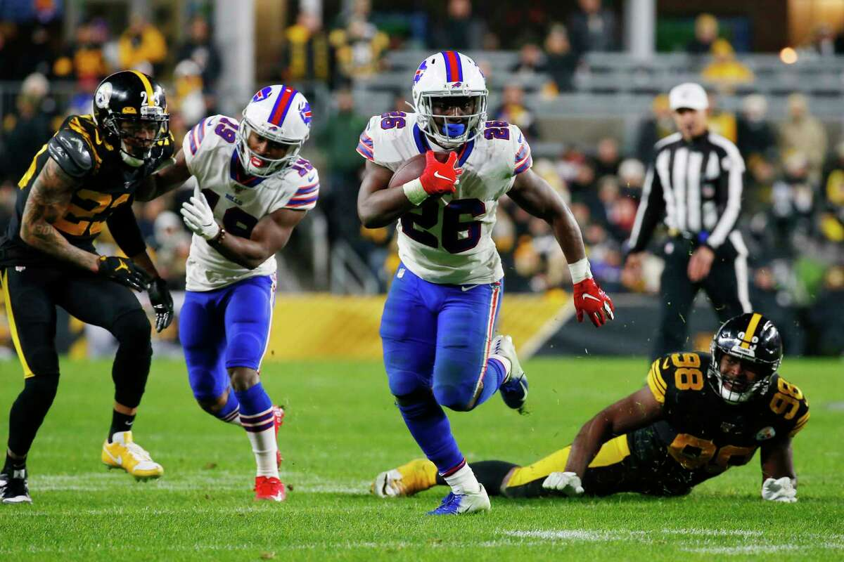 PITTSBURGH, PENNSYLVANIA - DECEMBER 15: Devin Singletary #26 of the Buffalo Bills runs with the ball during the second half against the Pittsburgh Steelers in the game at Heinz Field on December 15, 2019 in Pittsburgh, Pennsylvania. (Photo by Justin K. Aller/Getty Images)
