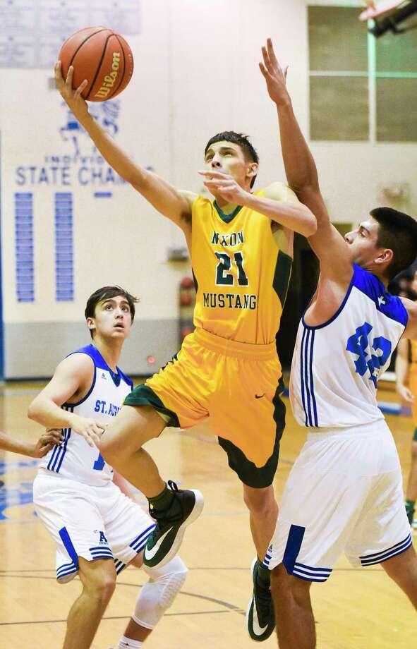 Alex Martinez is one of the many second-unit players who has provided a spark here and there for Nixon this season. Photo: Danny Zaragoza /Laredo Morning Times File