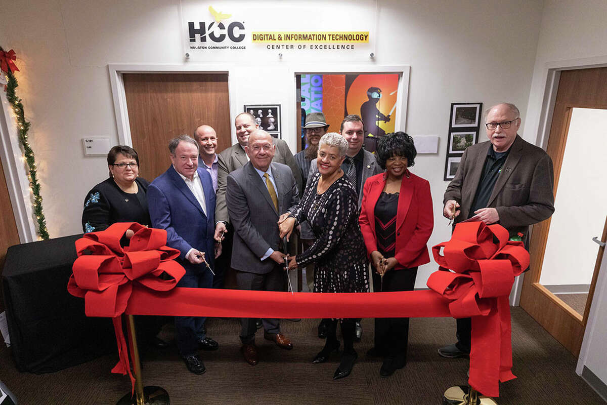 Houston Community College held a grand opening of its new virtual reality lab at its West Loop campus on Dec. 5, 2019.