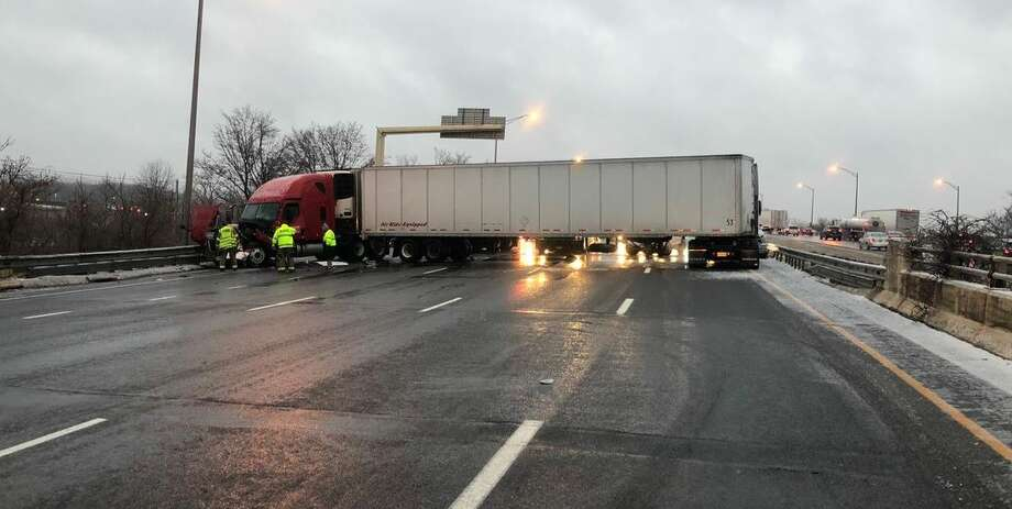 A multi-vehicle accident on I-91 south at exit 9 involving two tractor-trailers and multiple cars on Tuesday, Dec. 17, 2019. Photo: Contributed