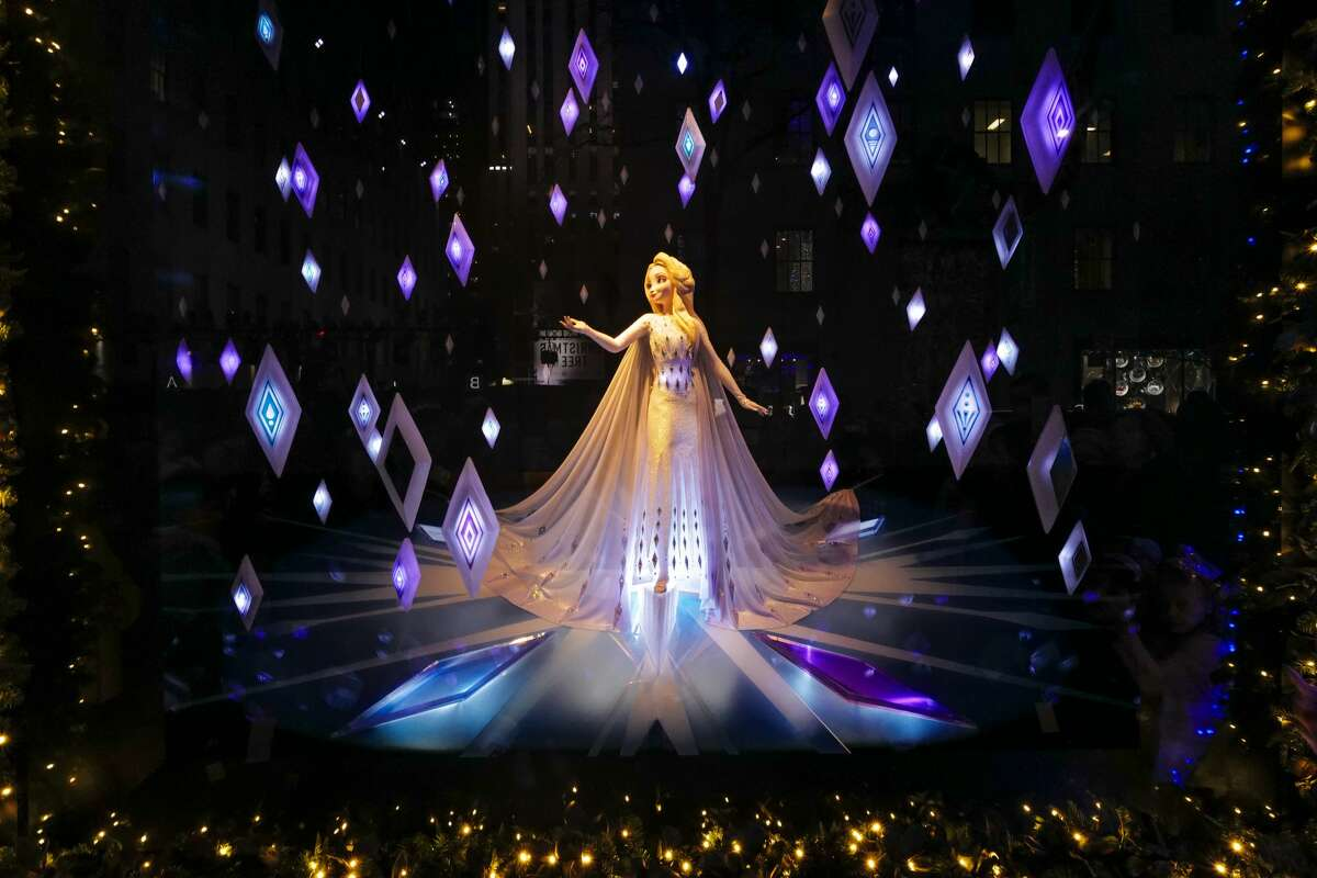 2019: Saks Fifth Avenue Saks Fifth Avenue holiday windows in New York City in 2019