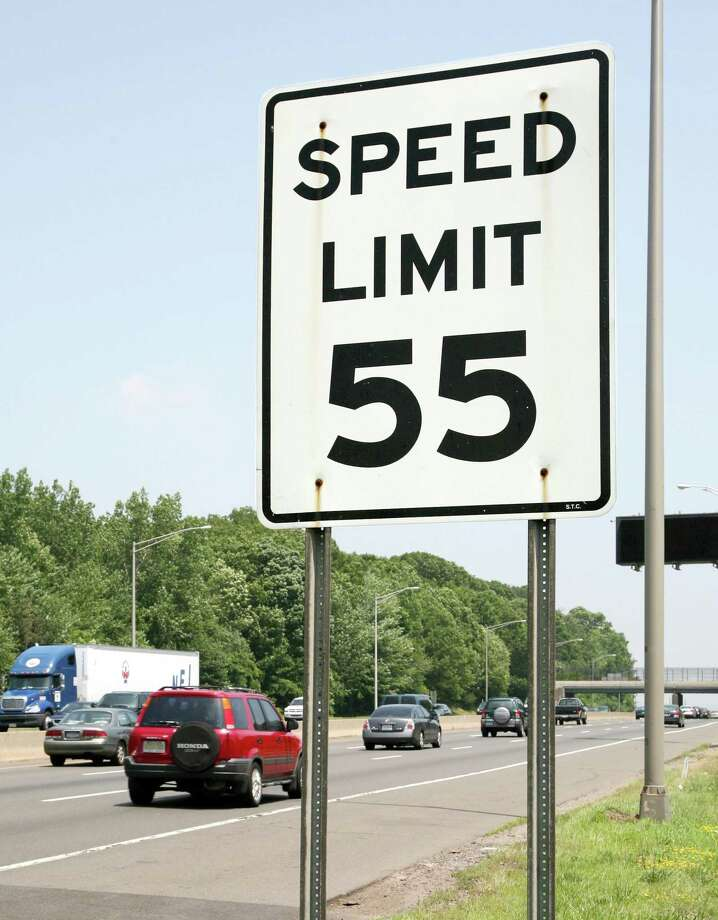 A 55 mph speed limit sign on Interstate 95 in West Haven. Photo: Hearst Connecticut Media File Photo