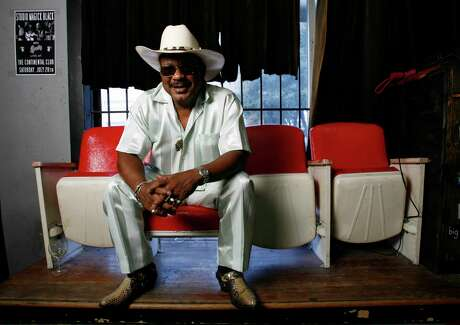 """Archie Bell, photographed at the Continental Club, Tuesday July 24, 2007. Bell is a Houston native who had a huge hit in 1967 with """"Tighten Up"""". He wasn't able to cash in much on the song's success because he'd been drafted and stationed in Europe during the Vietnam War. Bell continued to record upon his return to the States, but never repeated the success. He still performs on an oldies circuit today and will play the Continental Club on 8/31. ( Karen Warren / Chronicle )"""