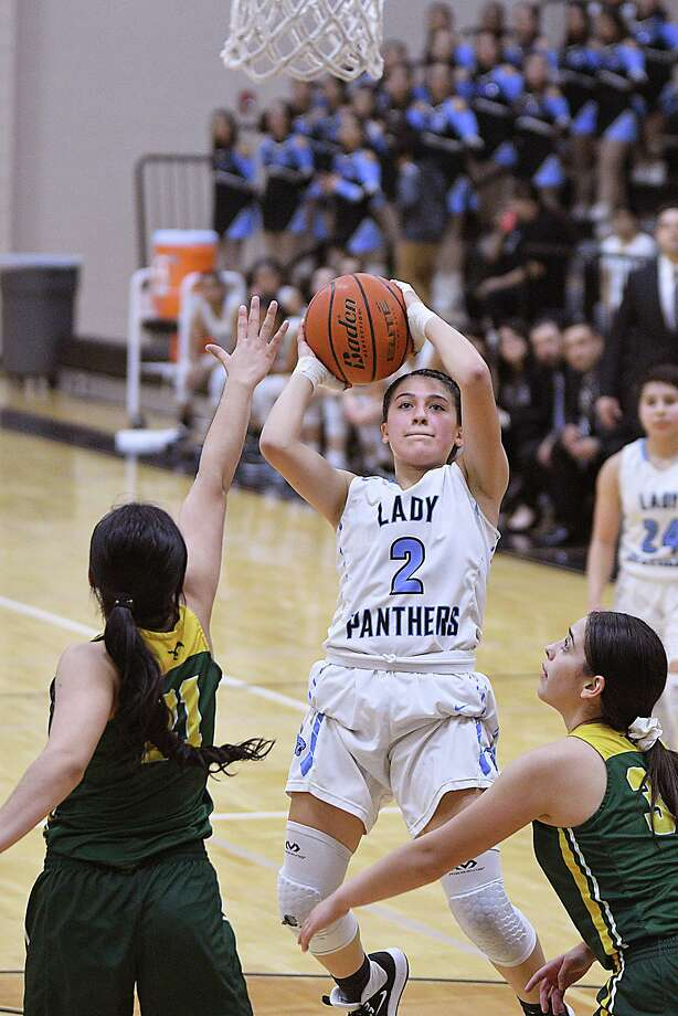 Angelina Lopez and United South face Austin Westlake in the regional semifinals at 5:30 p.m. Friday at the Blossom Athletic Center in San Antonio. Photo: Cuate Santos /Laredo Morning Times File / Laredo Morning Times