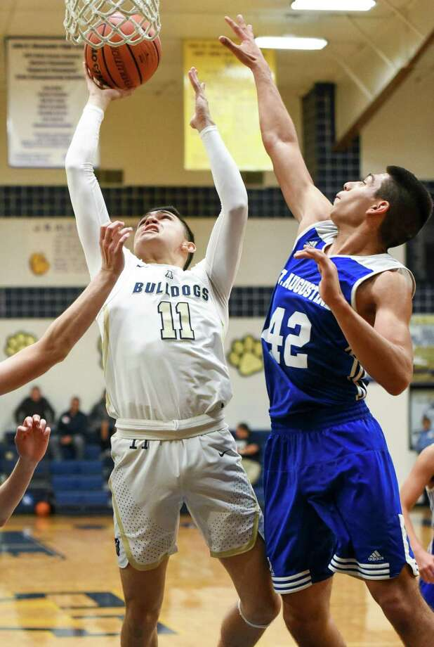 J.J. Solis and Alexander won 76-38 at home Tuesday over St. Augustine. Photo: Danny Zaragoza /Laredo Morning Times