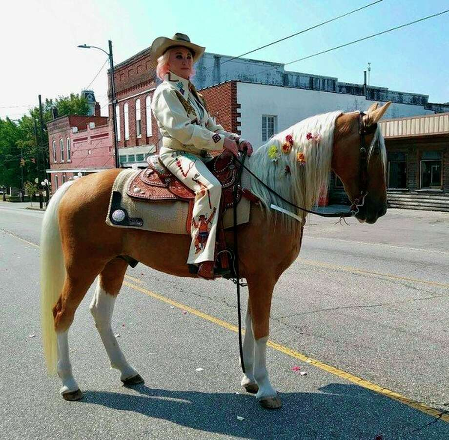 Country music star Tanya Tucker rides this Palomino in the video for her new song titled, Bring My Flowers Now. The Palomino, Joey, belongs to Big Rapids native JoAnn Smith, who now lives in Shelbyville, Tennessee. (Submitted photo)