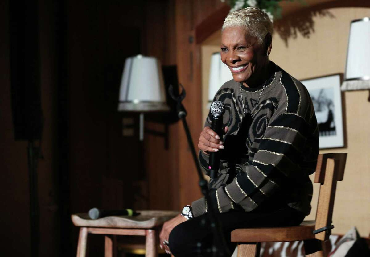 NEW YORK, NEW YORK - DECEMBER 10: Dionne Warwick performs onstage at Le Chalet at L'Avenue at Saks on December 10, 2019 in New York City. (Photo by Monica Schipper/Getty Images for Saks Fifth Avenue)