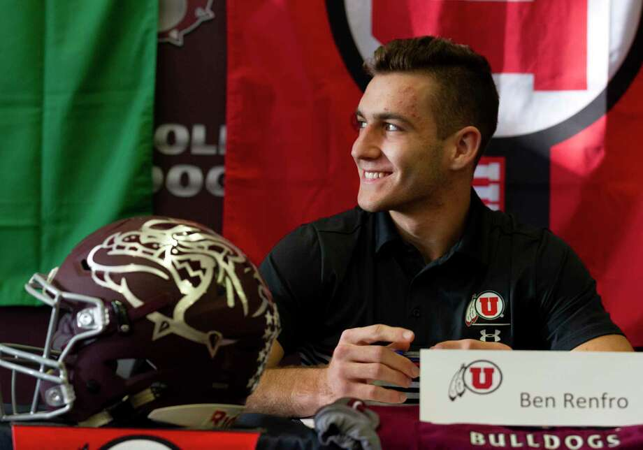Magnolia's Ben Renfro smiles during a signing ceremony at Magnolia High School, Wednesday, Dec. 18, 2019, in Magnolia. Renfro signed to play football for Utah and was one of five athletes from Magnolia to signed National Letters of Intent to play college athletics. Photo: Jason Fochtman, Houston Chronicle / Staff Photographer / Houston Chronicle