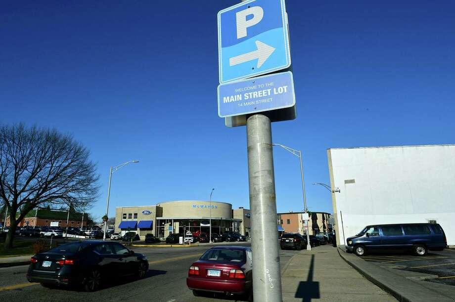 Parking will begin being enforced in the Wall Street neighborhood in Norwalk, Conn. on Jan. 6, 2020. Photo: Erik Trautmann / Hearst Connecticut Media / Norwalk Hour