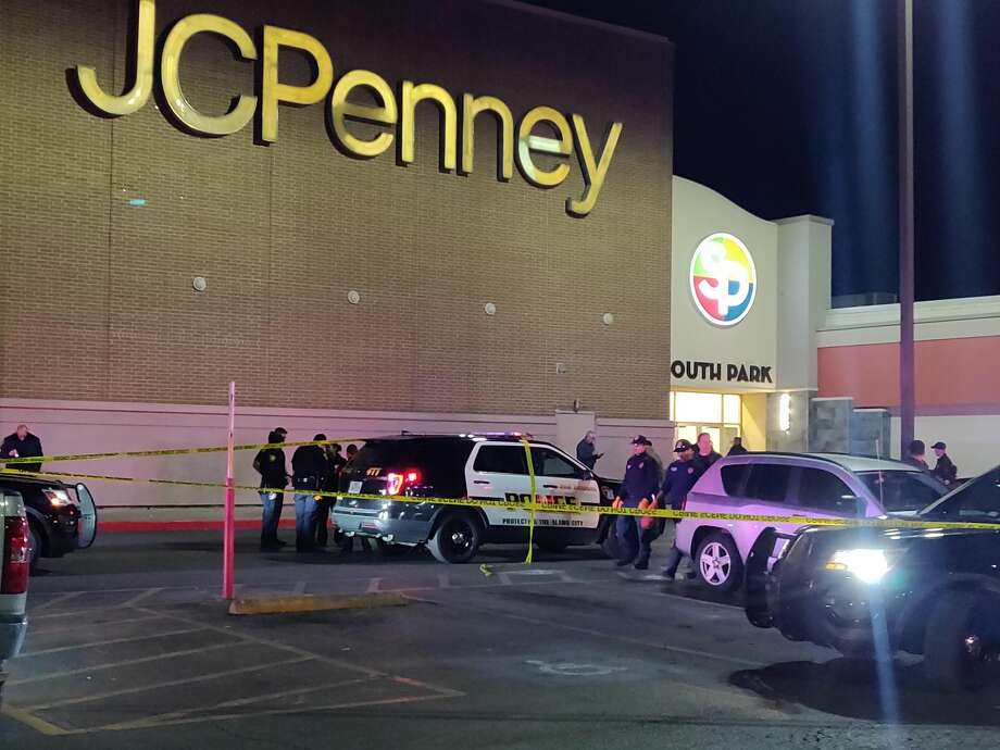 San Antonio police say four people were injured in a shooting Wednesday, Dec. 18, 2019 at South Park Mall. Photo: Jacob Beltran