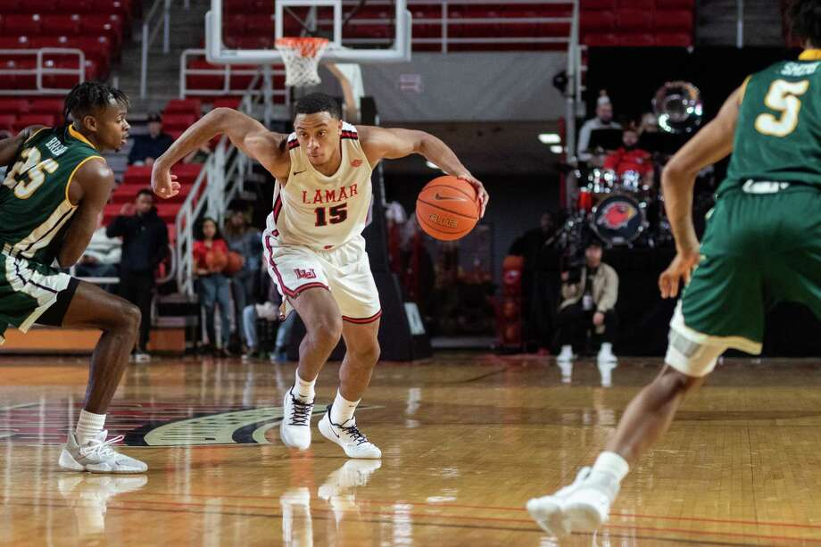 The Lamar Cardinals men's basketball team downed the Southeastern Louisiana Lions in the first game of conference play on Wednesday night. Fran Ruchalski/The Enterprise Photo: Fran Ruchalski/The Enterprise