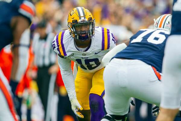 BATON ROUGE, LA - OCTOBER 26: LSU Tigers linebacker K'Lavon Chaisson (18) lines up for a play during a game between the LSU Tigers and the Auburn Tigers in Tiger Stadium in Baton Rouge, Louisiana on October 26, 2019. (Photo by John Korduner/Icon Sportswire via Getty Images)