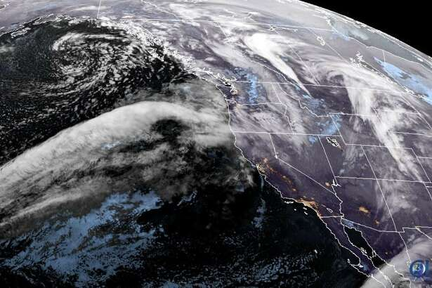 Satellite image shows an atmospheric river heading toward the Pacific Northwest on Dec. 19, 2019 (Photo: NOAA / RAMMB/CIRA)