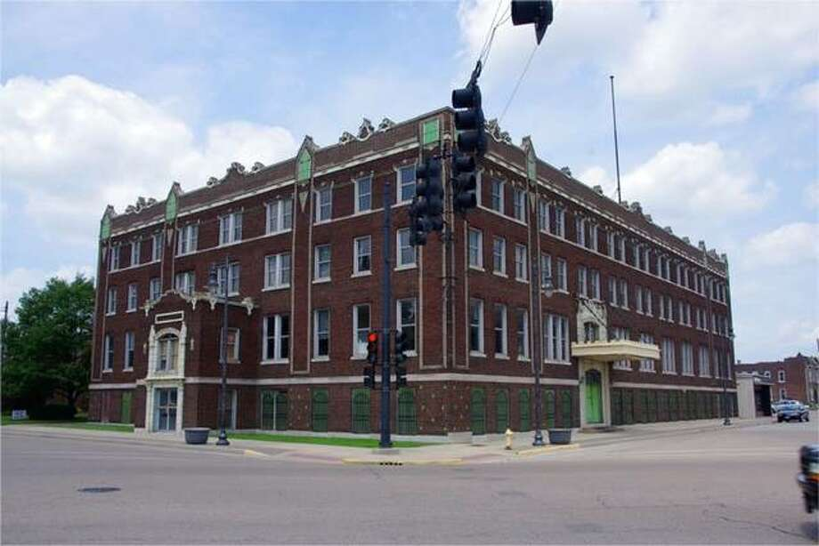 Rise Community Development on Wednesday announced it had closed on financing to convert the former Tri-City YMCA at Edison and East 20th streets in Granite City into 37 1- and 2-bedroom apartments. Commercial space and common area also are planned within the building.