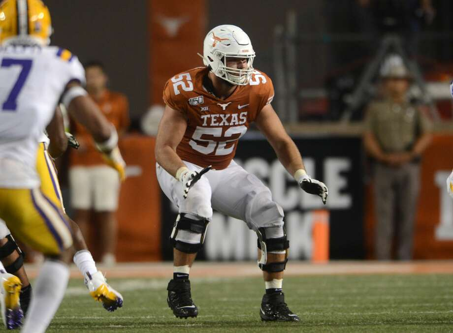 Texas Longhorns lineman Sam Cosmi blocks during Texas' game against LSU on Sept.7, 2019. Photo: Icon Sportswire/Icon Sportswire Via Getty Images