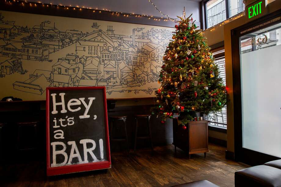 Third Rail bar in Dogpatch, outfitted for Christmas. Photo: Santiago Mejia / The Chronicle
