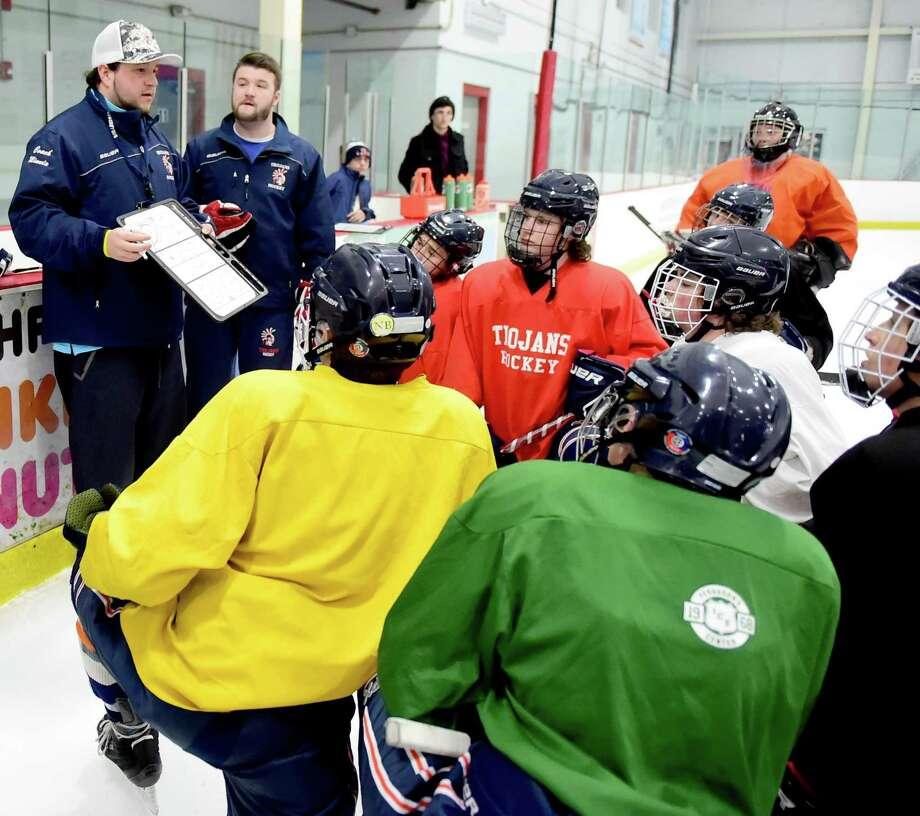 Former Lyman Hall/Haddam-Killingworth/Coginchaug high schools co-op hockey team coach Rich Minnix will now lead the Notre Dame-Fairfield program. Photo: Hearst Connecticut Media File Photo / ©2016 Peter Hvizdak