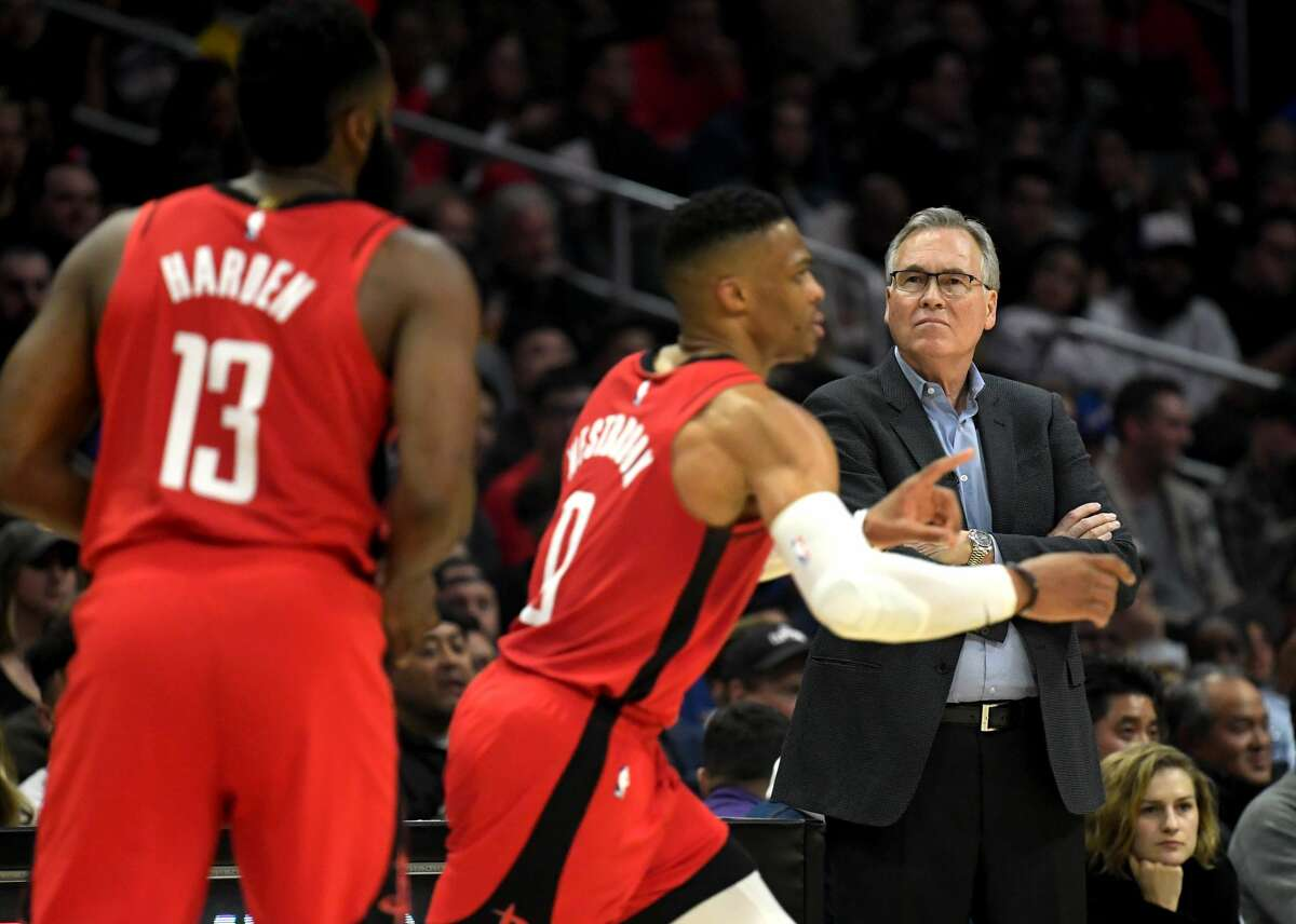 LOS ANGELES, CALIFORNIA - DECEMBER 19: Head coach Mike D'Antoni of the Houston Rockets watches James Harden #13 and Russell Westbrook #0 play in the first half against the LA Clippers at Staples Center on December 19, 2019 in Los Angeles, California. (Photo by Harry How/Getty Images)