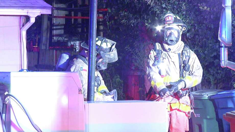 SAFD battled a house fire on the East Side Thursday night. Photo: Ken Branca