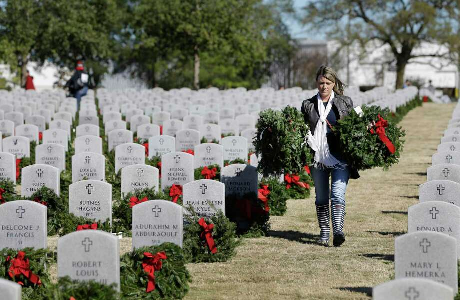 A reader praises Wreaths Across America for continuing to honor the nation's fallen veterans. Photo: Melissa Phillip /Staff Photographer / © 2018 Houston Chronicle