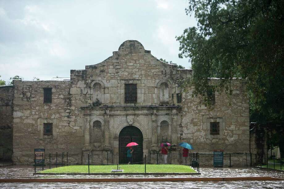 San Antonio will be experiencing a warm Christmas this year before our next front brings rain. Photo: Josie Norris /Staff File Photo / © San Antonio Express-News